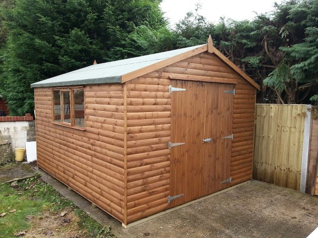Heavy Duty Dorset Sheds - Difference between log lap sheds and ship lap sheds